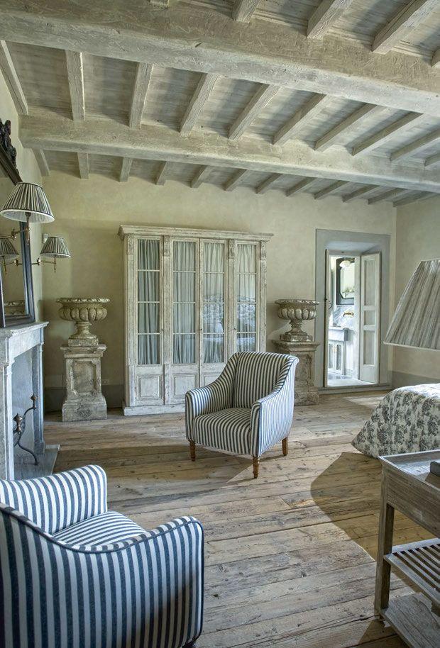 Lavanda e ispirazione francese per una casa in stile for Stile provenzale arredamento